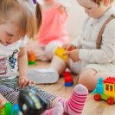 ضرورت کار با کودک ؛ مادر یا مربی؟